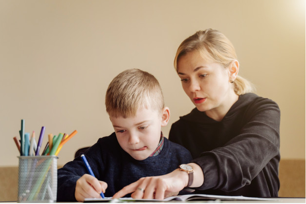 How do you teach a child with a learning disability?